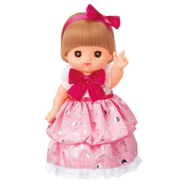 キャラクターのピンクのキラキラドレス